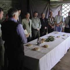 L'Onoranda Comapgnia dei Cantori nel film 'La rosade dal timp' di Christiane Rorato