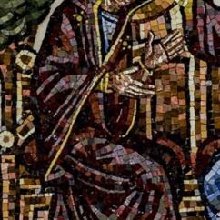 Maria, che s'inchina, è incoronata dal Figlio